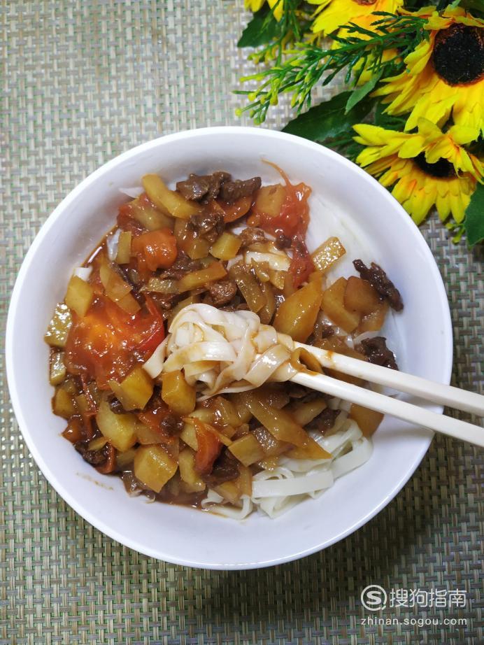 怎样做美味的西红柿土豆牛肉面?