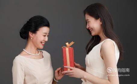 给妈妈买什么礼物?