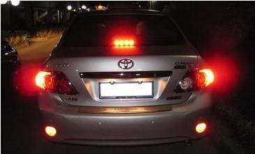 汽车转向灯怎么打