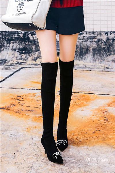 长筒靴子怎么搭配衣服