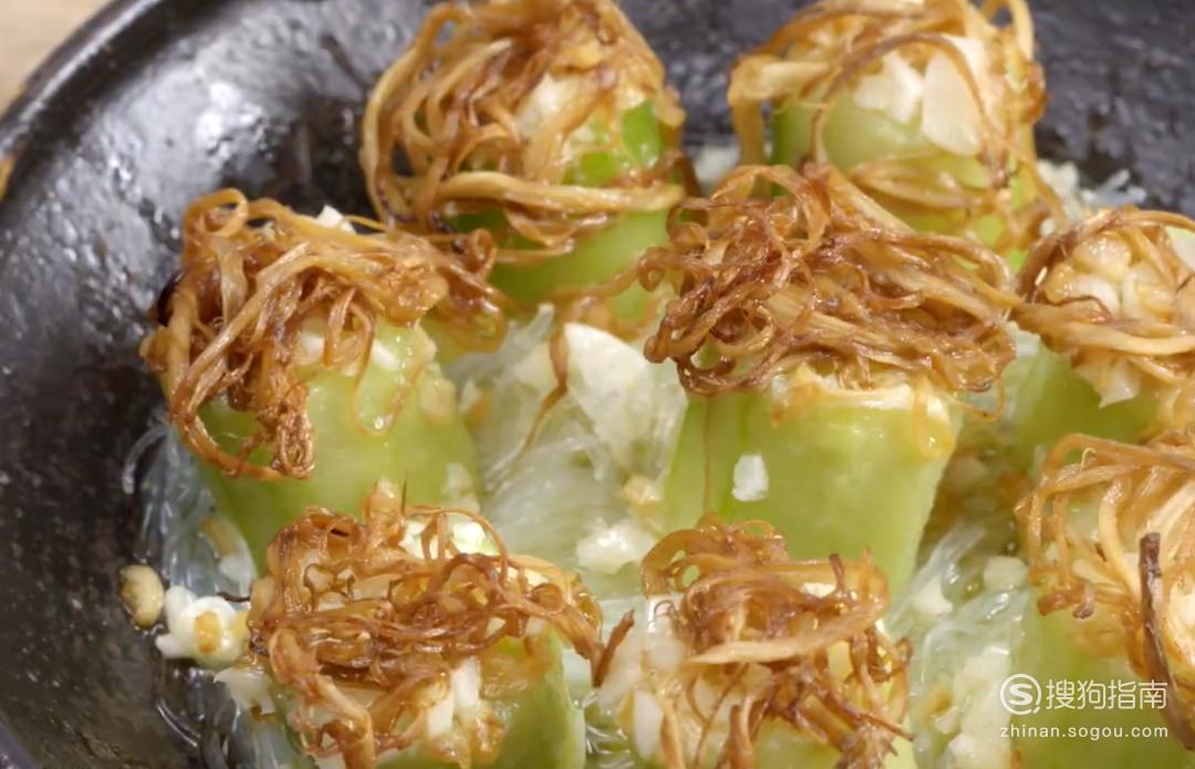金银蒜鸡枞蒸丝瓜的制作方法